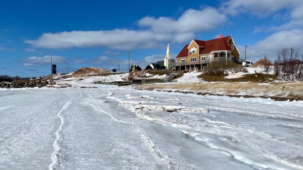 Lennox Island to mark lives lost in 'treacherous' walk across ice before causeway built
