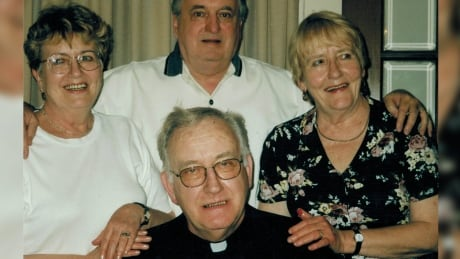 Flying Fathers hockey player Father Donald MacLean remembered by GTA