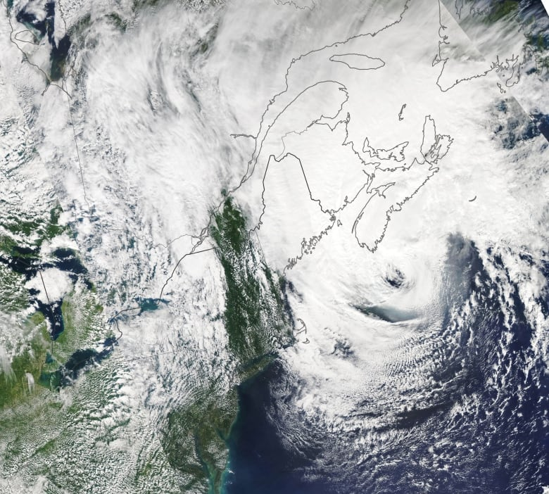 Climate change means even more parts of Canada will need to prepare for stronger hurricanes, report suggests
