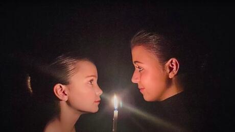 Ontario sisters go viral by singing Easter version of Hallelujah