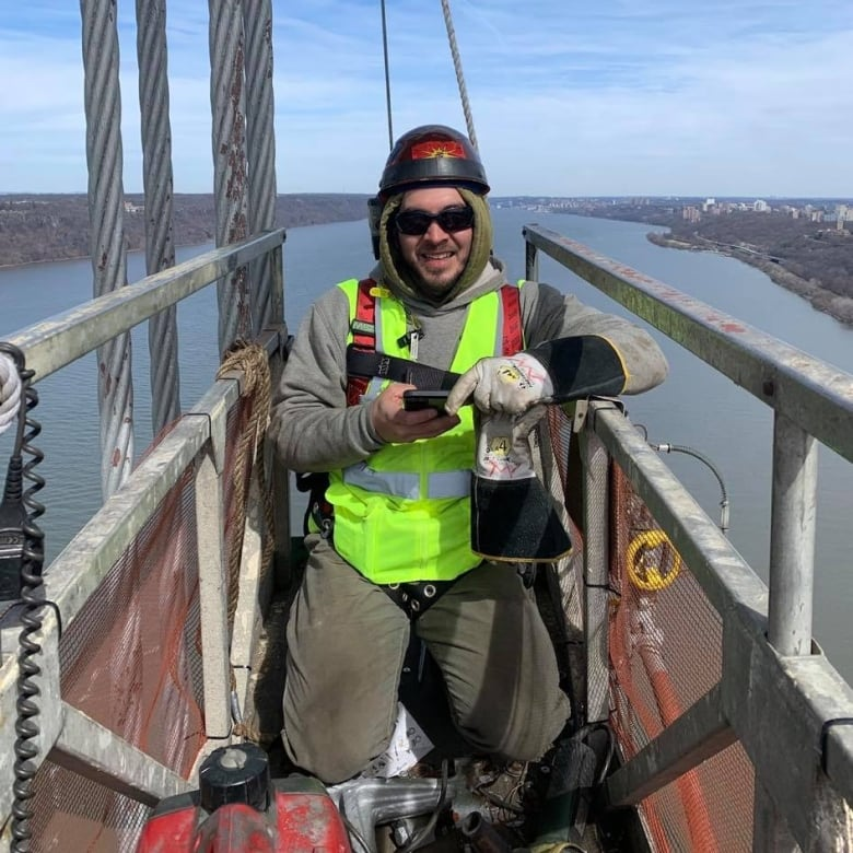 How Kahnawake's cross-border ironworkers are dealing with isolation from their families, community