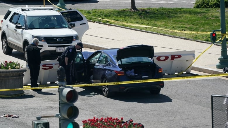 US Capitol: Driver dead after ramming police barricade