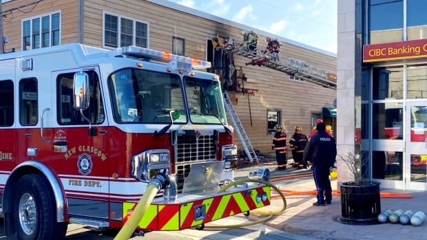 New Glasgow apartment evacuated during fire