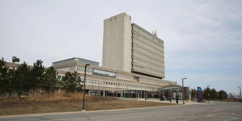 Students, graduates, politicians decry 'devastating' cuts at Laurentian University