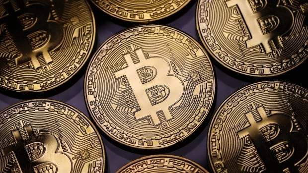 Coinbase goes public in march towards the mainstream | CBC News