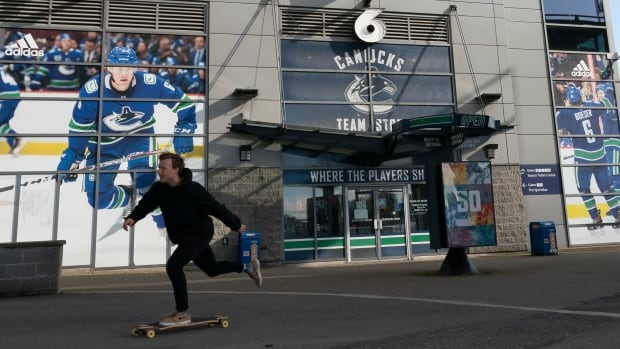 More COVID fallout for Vancouver Canucks with another game delay | CBC News