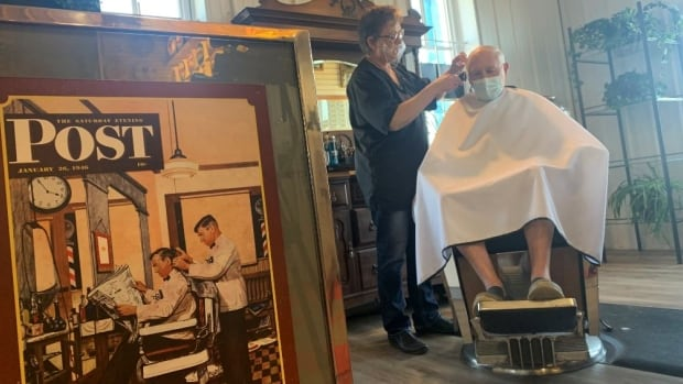 Pioneer Barber Shoppe finds new home in Alberta museum | CBC News