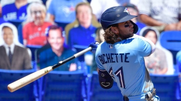 Bo Bichette hits walk-off single as Jays down Yankees to claim rubber match
