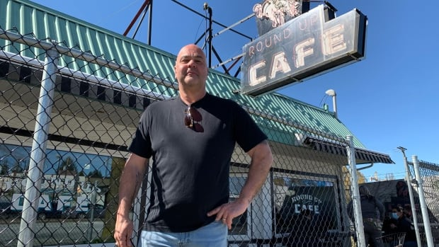 B.C.'s restaurant restrictions spell the end for this decades-old Surrey diner | CBC News