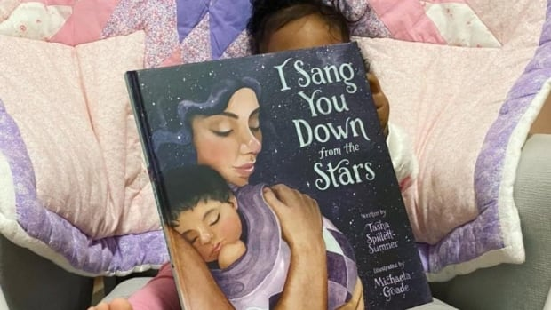 Manitoba author's picture book about motherhood, Indigenous tradition makes New York Times bestsellers list | CBC News