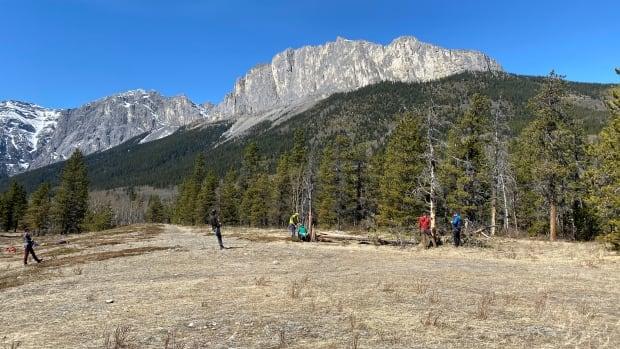 Mount Yamnuska closing for upcoming season while crews upgrade paths | CBC News
