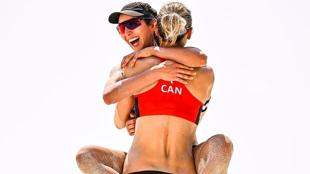 Pavan, Humana-Paredes sweep all-Canadian beach volleyball matchup in Mexico | CBC Sports