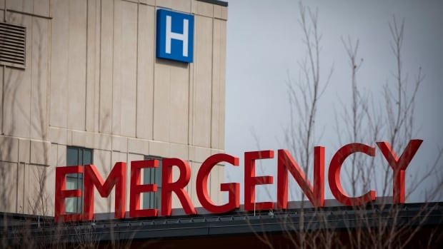 Ontario hospitals hit by COVID-19 transferring record number of patients around province