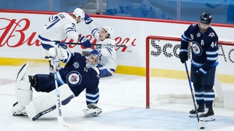 HKN Maple Leafs Jets 20210424