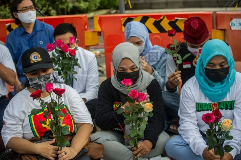 , Indonesia says 53 crew of lost sub are dead, wreckage found | CBC News,