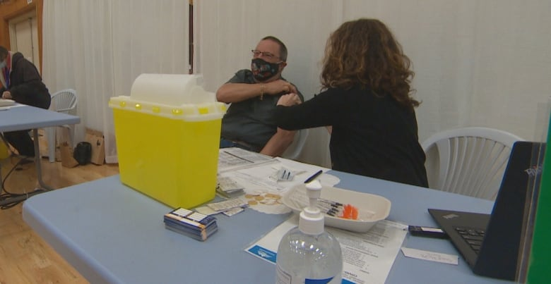 Entire island in B.C. gets vaccinated for COVID-19