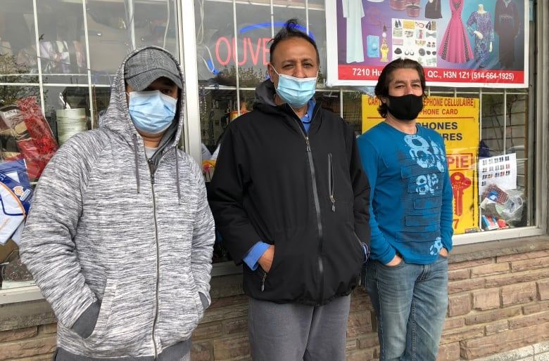 Vaccination rates lagging in poor Montreal areas, but outreach workers see surge in interest at pop-up clinic