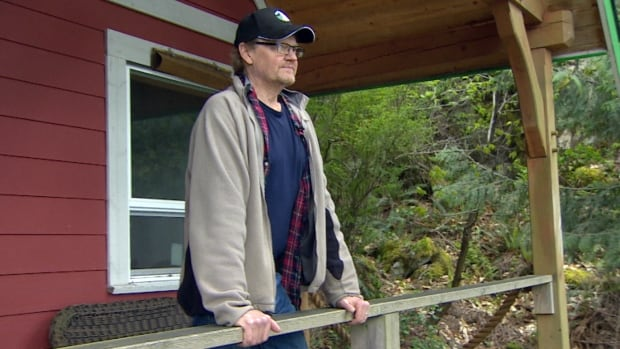 Seller beware: B.C. man learns Realtors can collect their fee even when a buyer defaults on a sale | CBC News