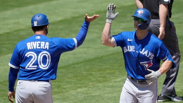 Grichuk drives in 5 runs as Blue Jays earn series split with Athletics
