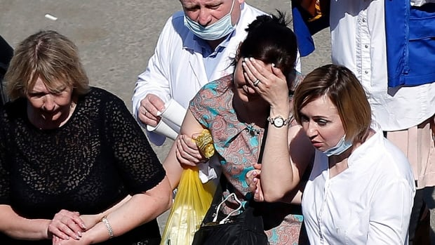 Russian officials say 8 killed, more than 20 wounded in school shooting in Kazan | CBC News