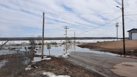'It is far worse than I thought': N.W.T. communities down river brace for flooding