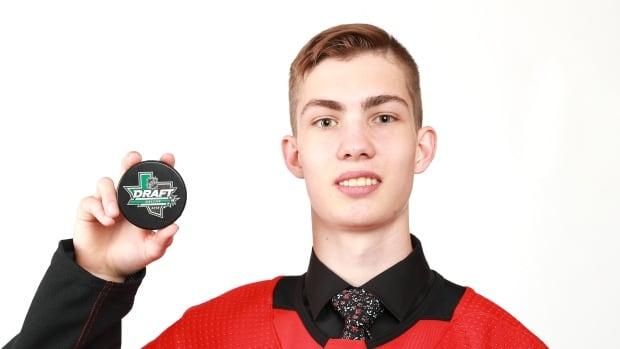 Kraken ink 1st player in franchise history   CBC Sports