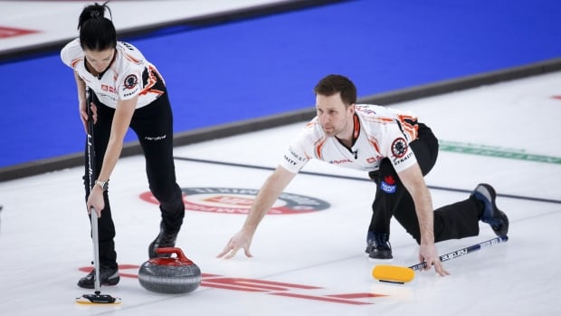 Canada's Einarson, Gushue win mixed doubles worlds opener behind late rally
