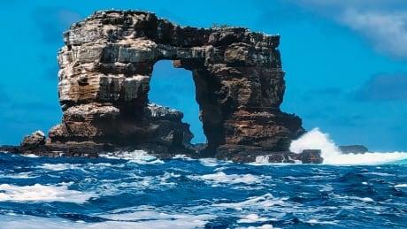 Ecuador Darwin's Arch