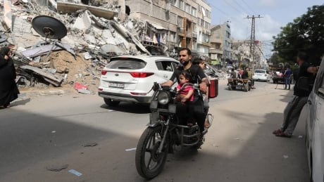 Level of damage in Gaza 'enormous,' CBC reporter says