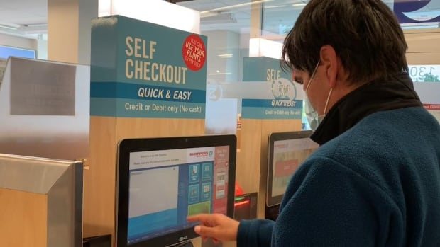 Some Shoppers Drug Mart customers complain they were pushed to use self-checkout — again