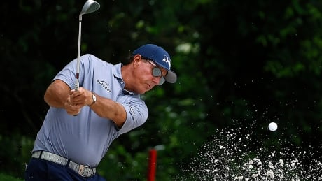mickelson-phil-210528-1180