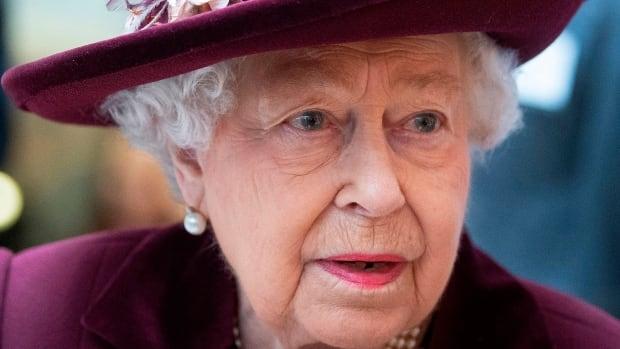 Buckingham Palace barred minorities from office jobs in '60s: Guardian