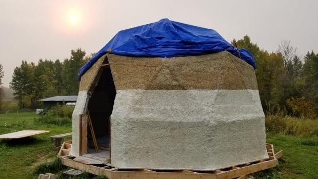 Hempcrete: Alberta company uses hemp to build tiny homes