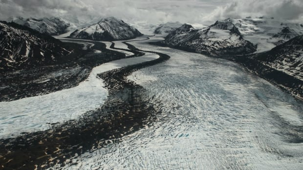 2 with high-altitude sickness, 10 others rescued off Alaska glacier