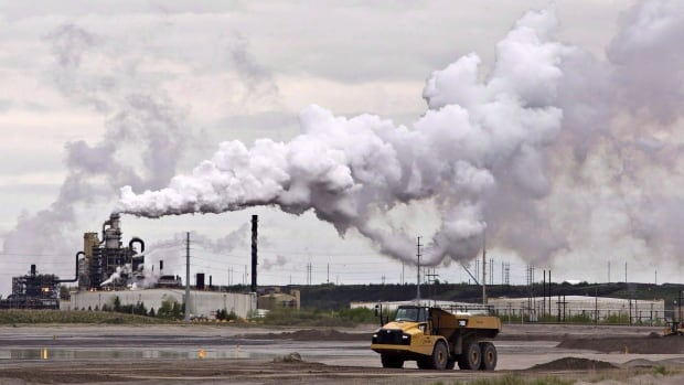 Oilsands alliance to cut emissions based on old business plans, critics say