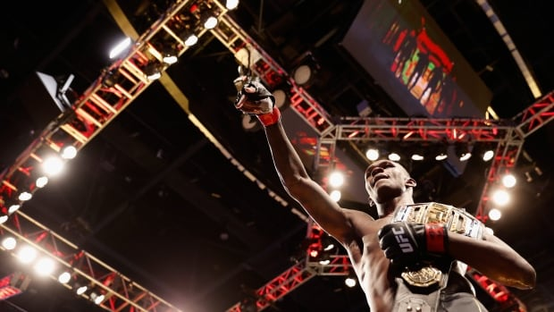 Israel Adesanya retains title, defeats Marvin Vettori in rematch at UFC 263