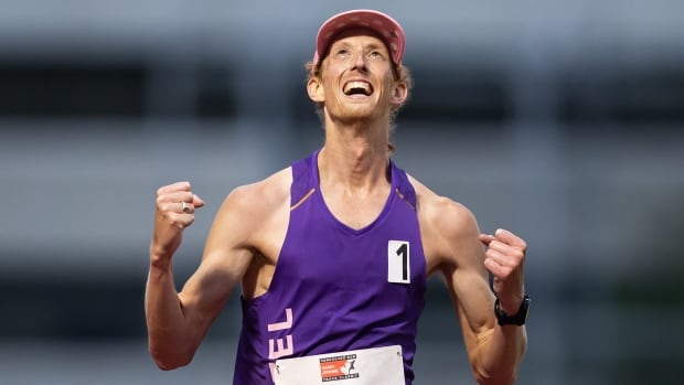Evan Dunfee sets new Canadian record in 10,000-metre race walk
