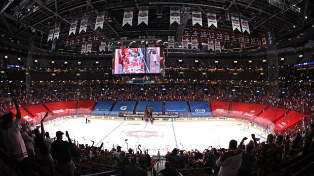 Fearing edge for Habs rival, Quebec premier pushes public health to boost capacity at Bell Centre