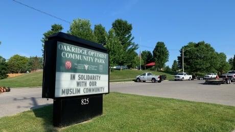 Solidarity sign at Oakridge Area