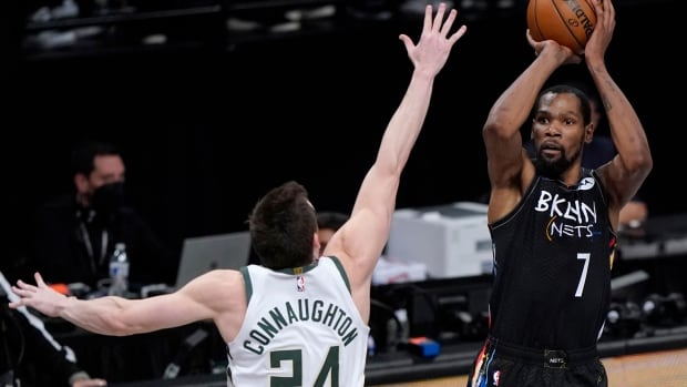 Kevin Durant authors masterpiece to lead Nets' 17-point comeback win over Bucks