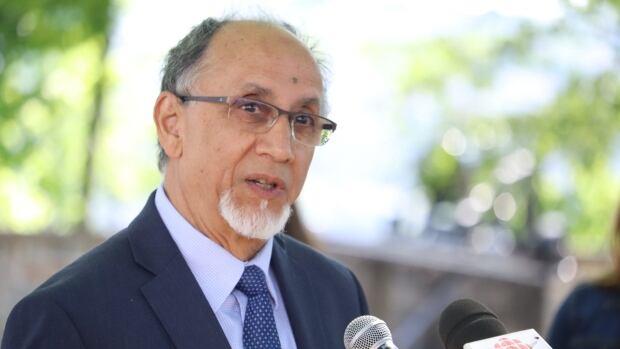 Former president of Quebec City Mosque makes jump into municipal politics | CBC News