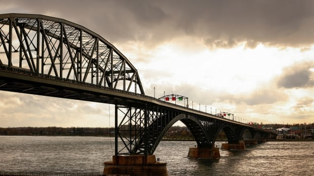 U.S. politicians fume over Canada's extended border restrictions | CBC News