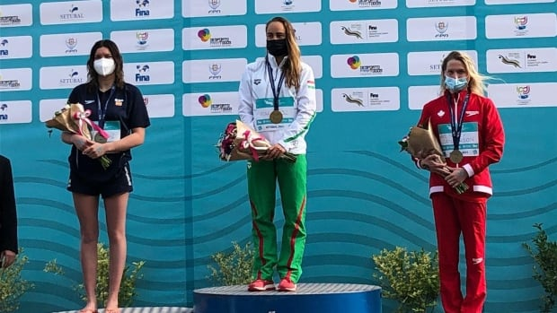 Canadian open water swimmer Kate Sanderson earns 3rd-place finish at Olympic trials