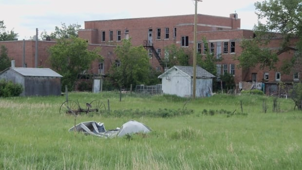 Survivors call for demolition of former residential school in Birtle, Man