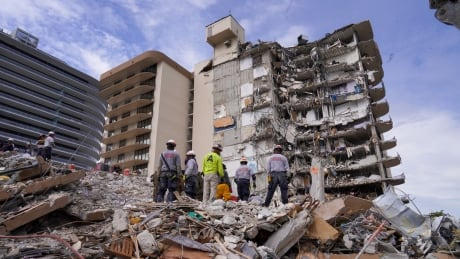 Search-and-rescue personnel at site of Surfside, Fla., condo collapse
