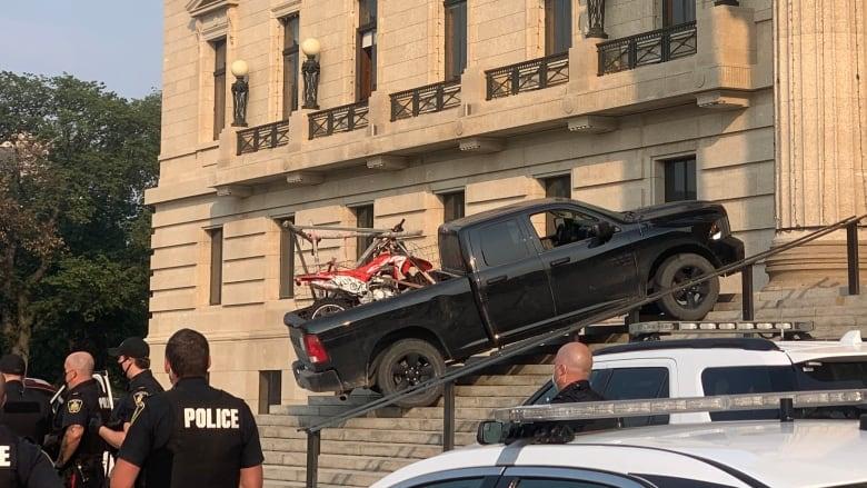 truck-at-manitoba-legislative-building.jpg