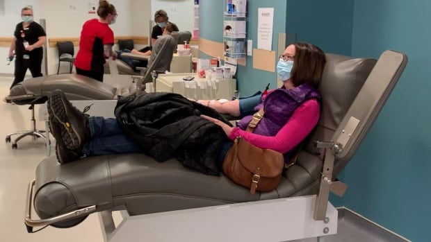 Canadian Blood Services welcomes unvaccinated donors