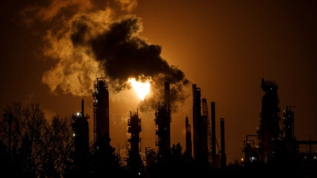 New climate alliance to push for phasing out oil and gas at upcoming climate conference