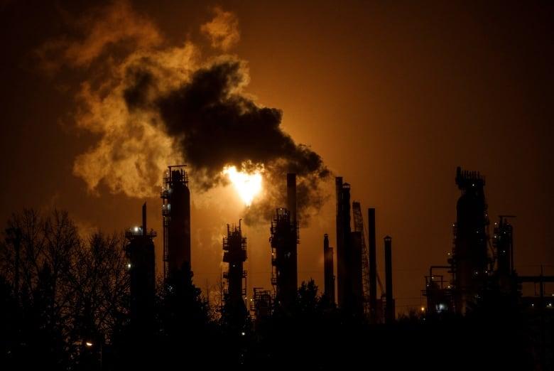 oilsands climate lawsuit 20191023
