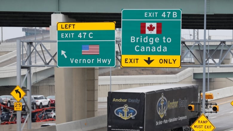 Canadians still hesitant to open U.S. border, but Prairies more eager, poll  suggests   CBC News